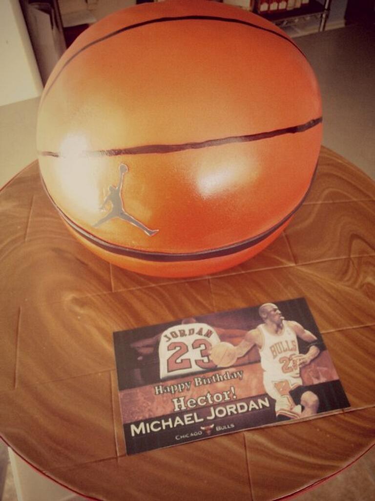 basketball by Sonia Serrano