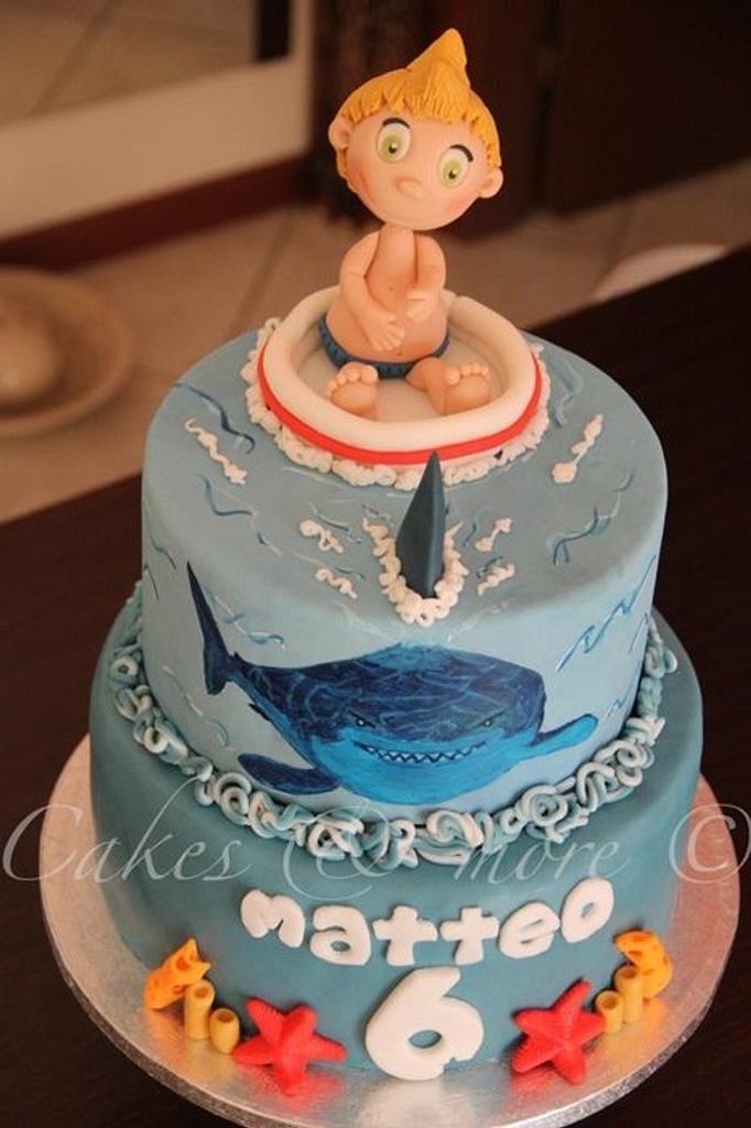 Shark cake by Elli & Mary