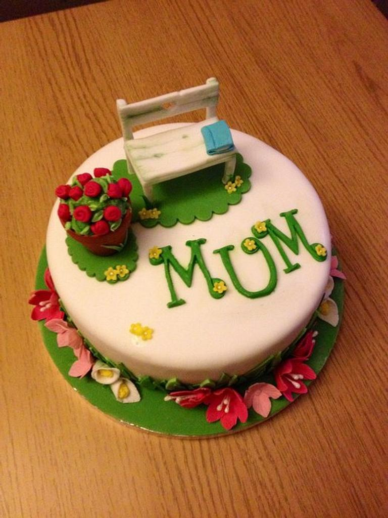 Garden cake by Daisychain's Cakes