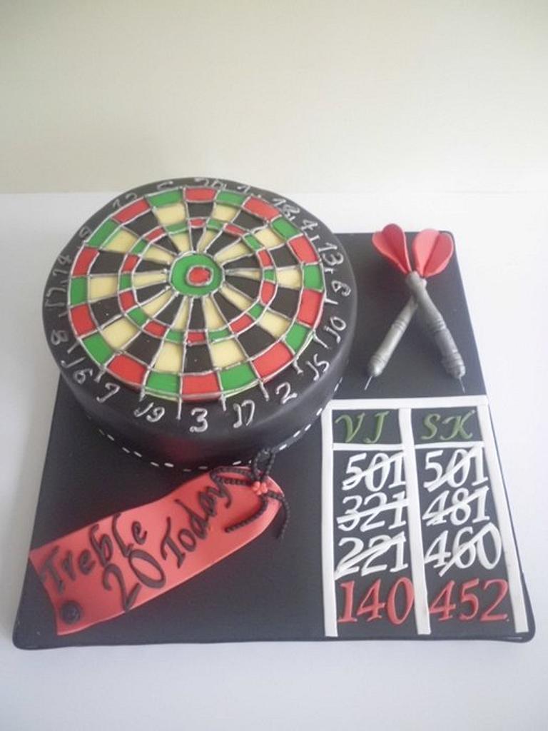 Dartboard cake by prettypetal