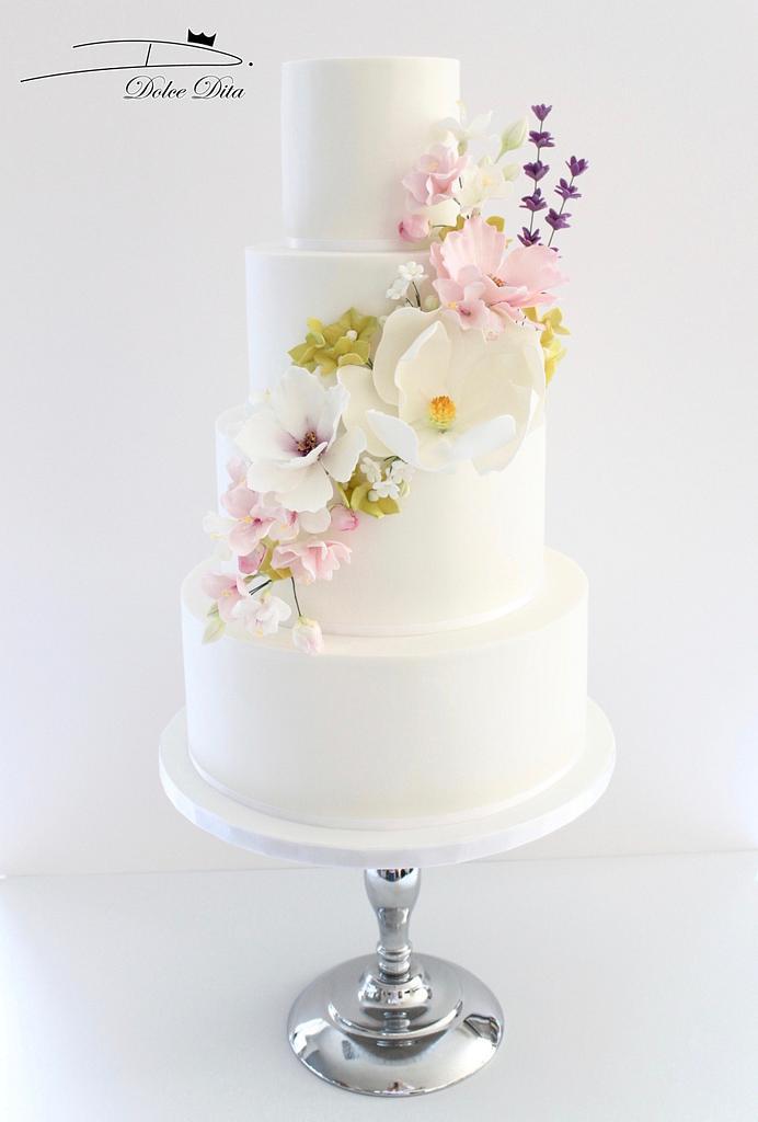 Romantic wedding cake by Dolce Dita