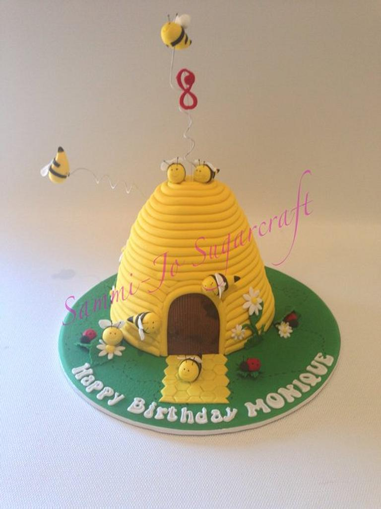 Beehive cake by Sammi-Jo Sweet Creations