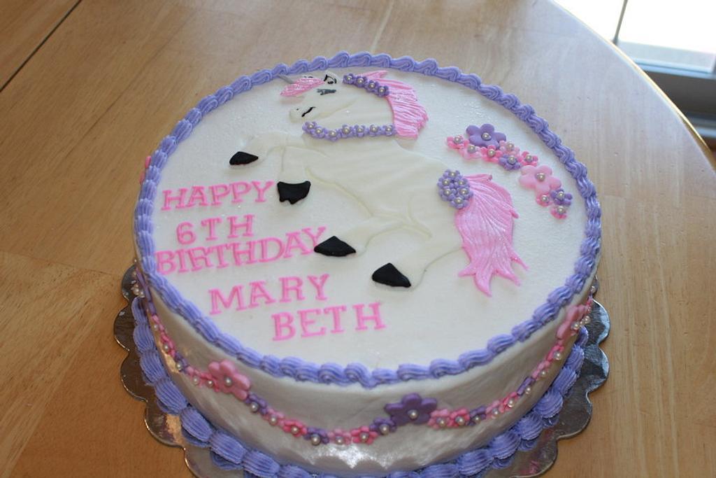 Unicorn Cake by Michelle