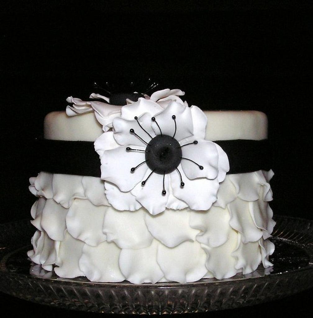 Petal Cake by Nissa