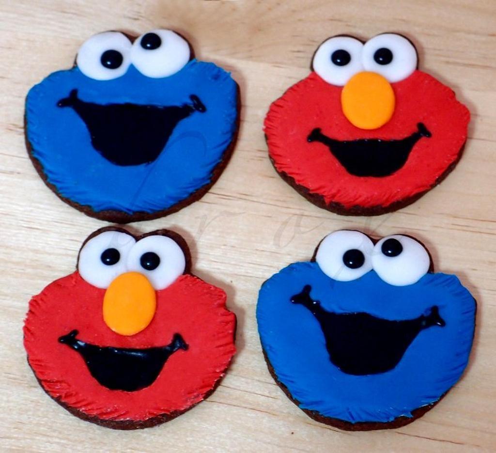 Elmo and Cookie cookies by Julie Manundo