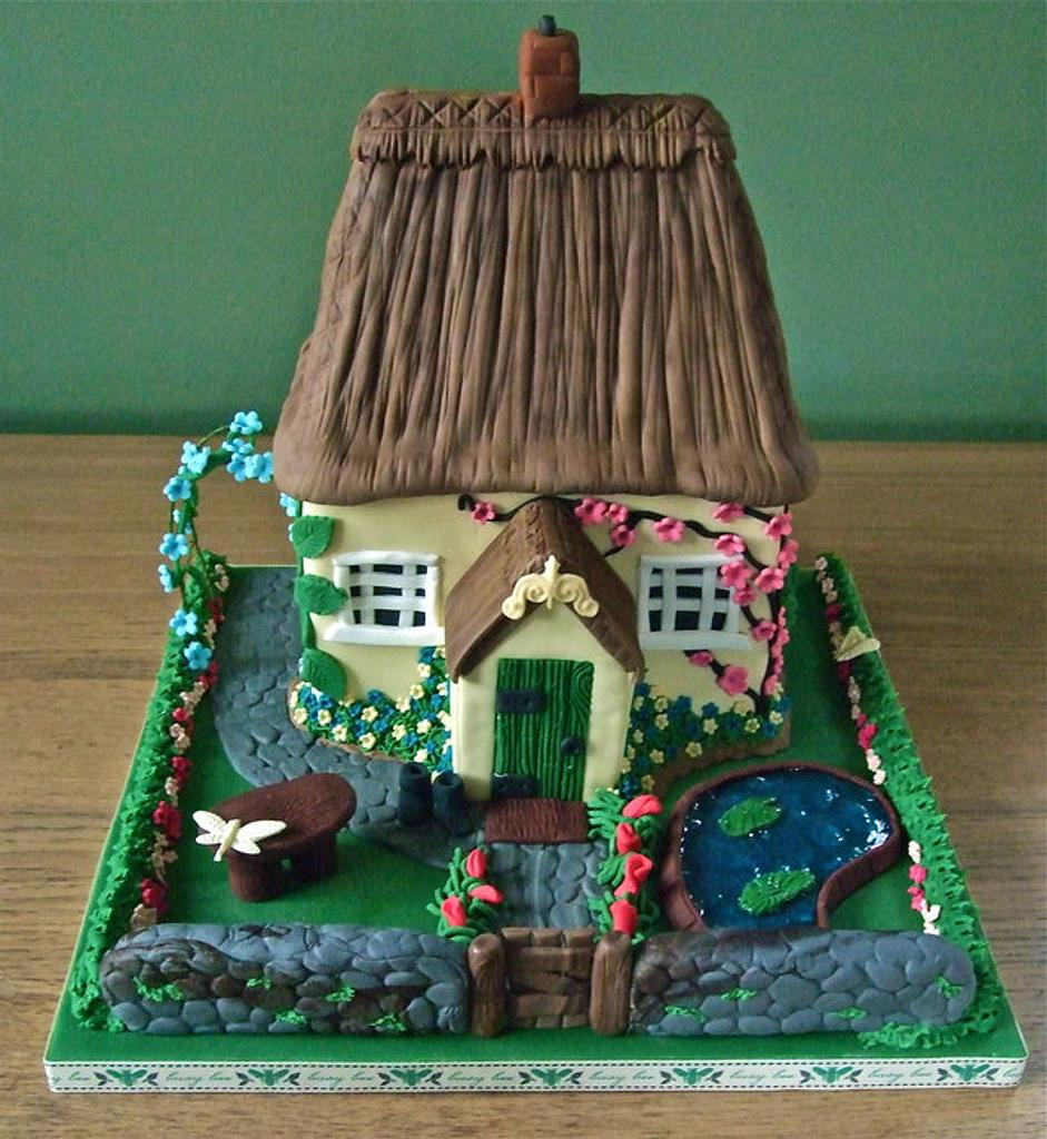 Country cottage cake by Vanessa