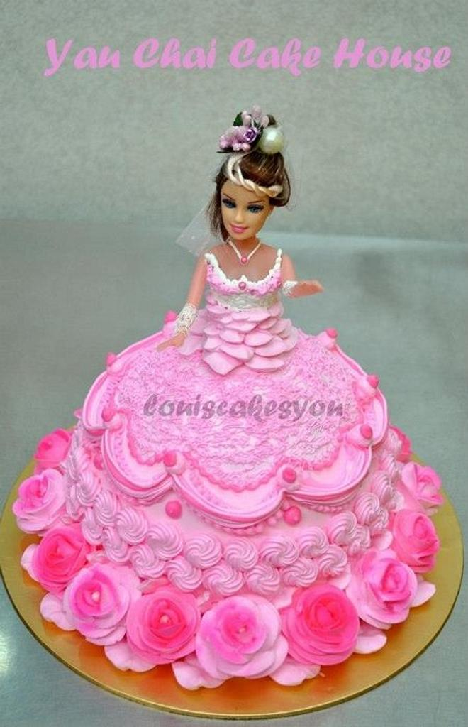 6 Barbie in 1 Post by Louis Ng