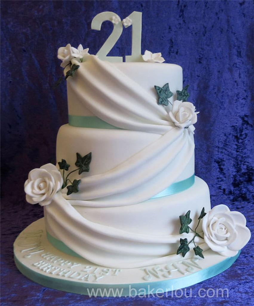 Ivy and Roses Cake by Louise