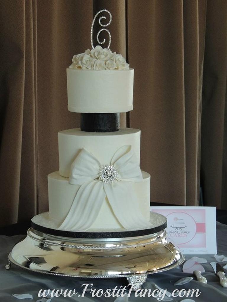 MaryAlice by Frost it Fancy Cakes