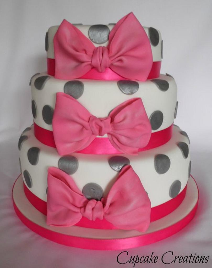 Big bow 3 tier Spotty cake by Cupcakecreations