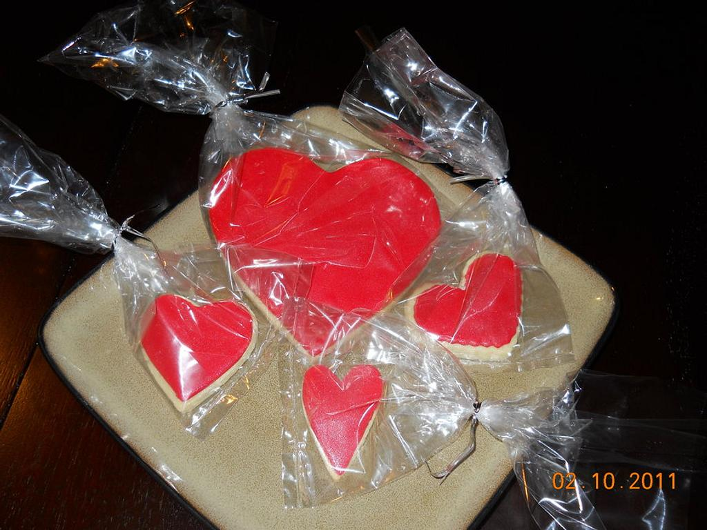 Hearts  by Pixie Dust Cake Designs