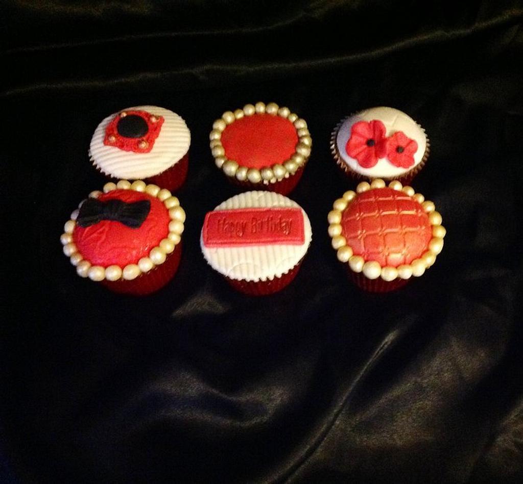 Happy birthday cupcakes  by Lisa sweeney