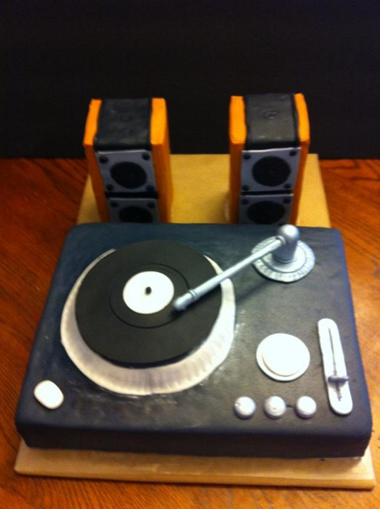 Turn Table Cake by amparoedith