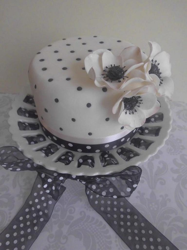 Anemone Cake by prettypetal