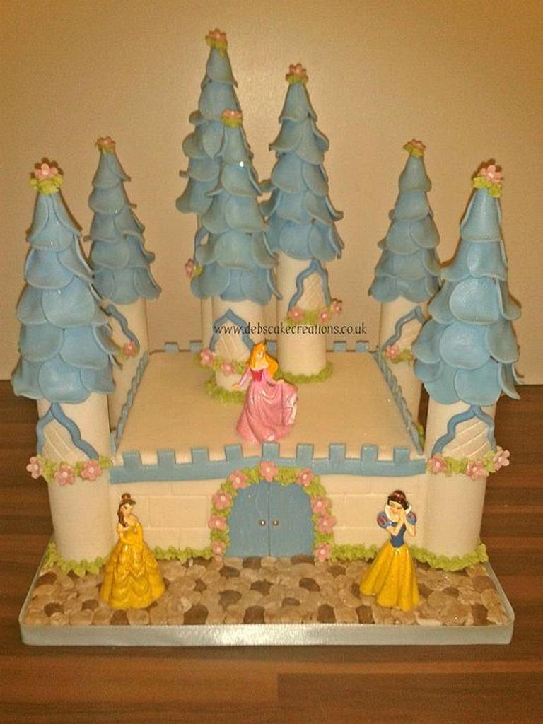 Disney Princess Castle by debscakecreations