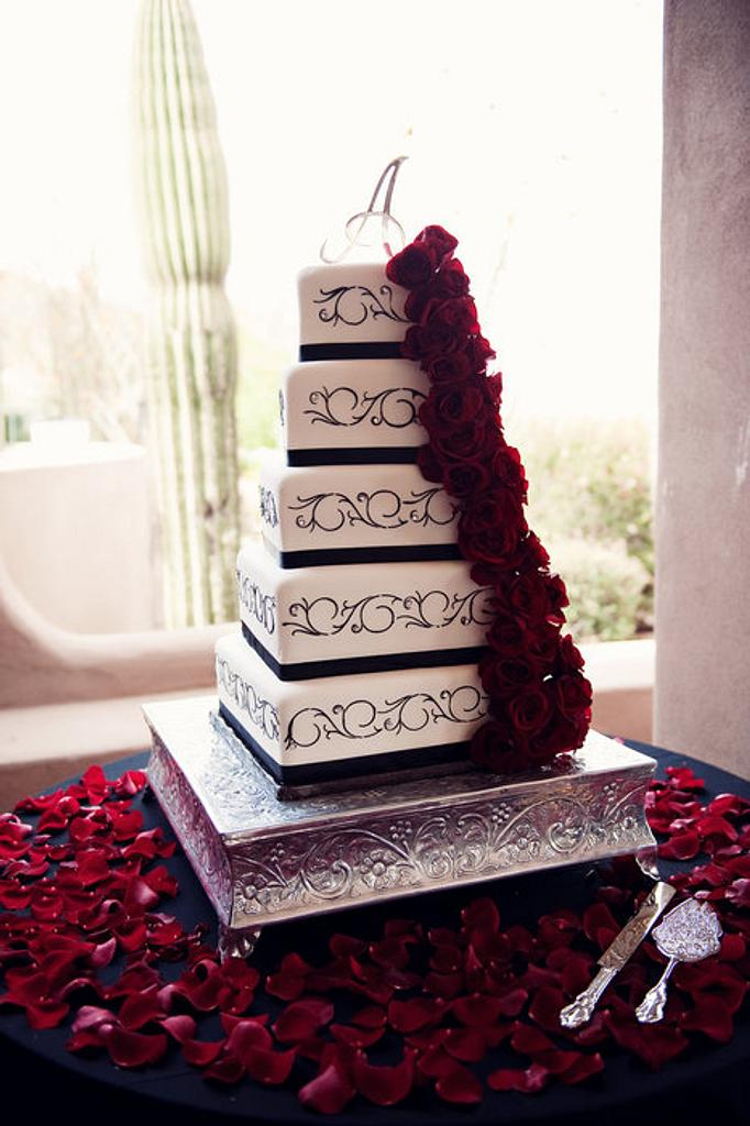 Fondant and scrolls Black and White cake by cheryl arme