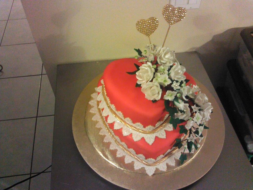 Red cake by Wanda