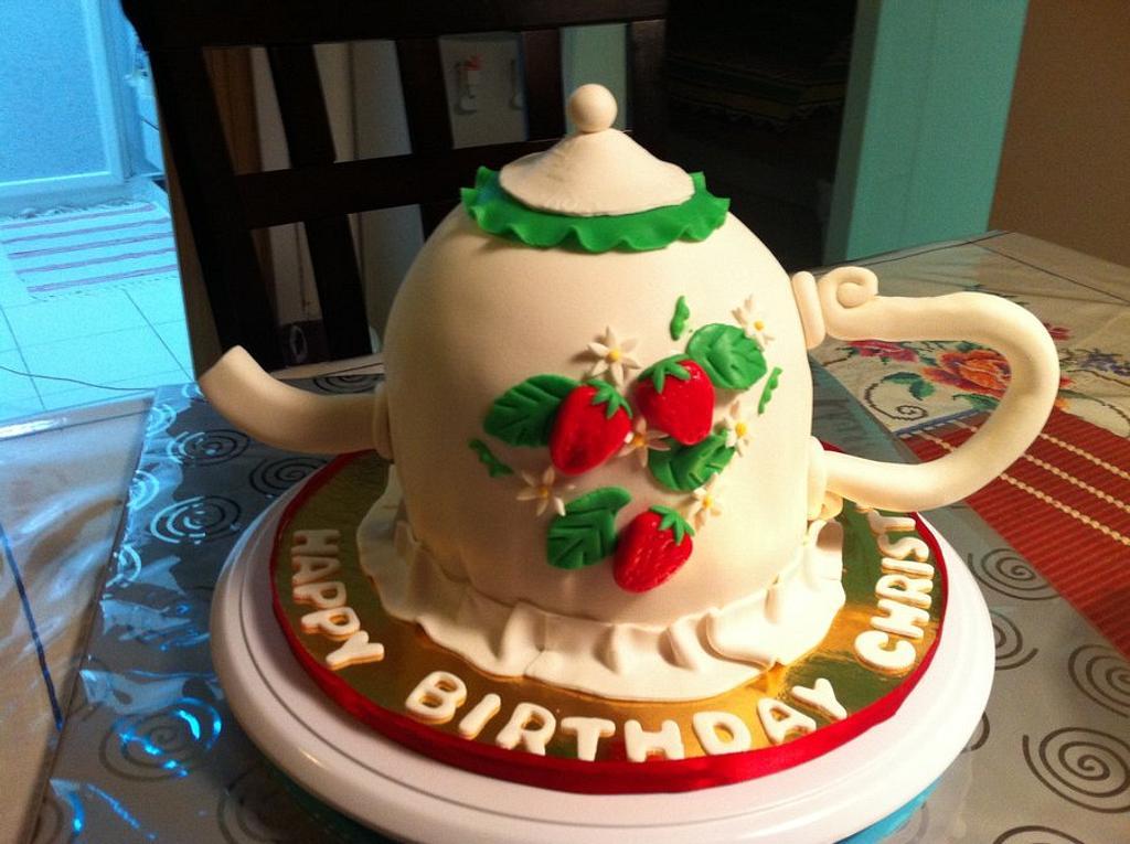 My first Teapot cake!! by sadiawasim