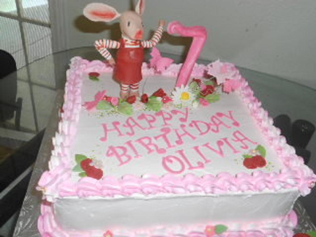 Olivia the Pig by Maria Cazarez Cakes and Sugar Art