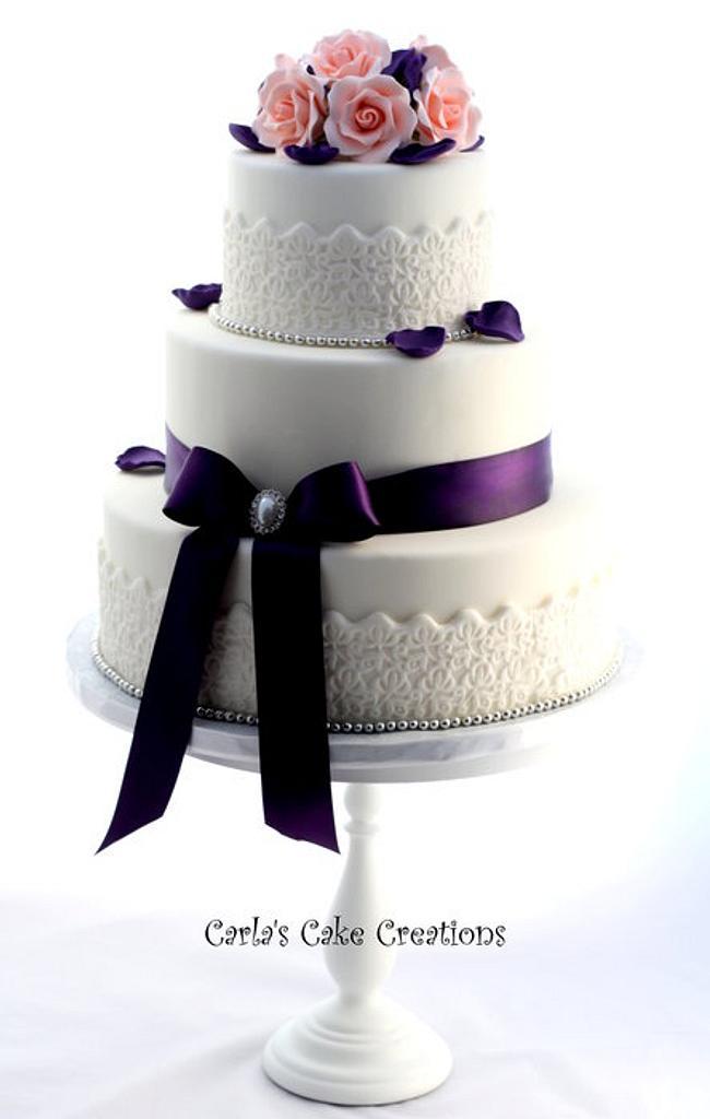Vintage lace wedding cake by Carla