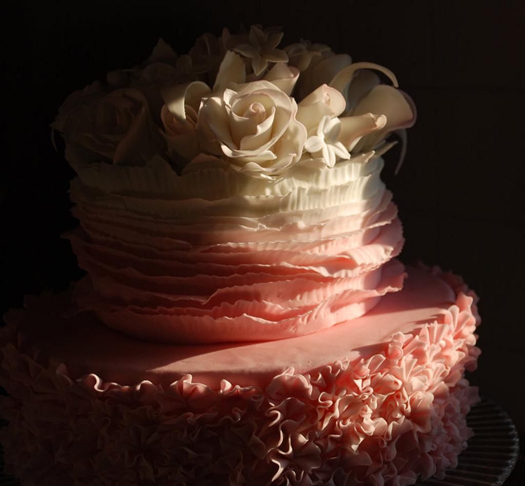 ruffle pink cake by lisssa