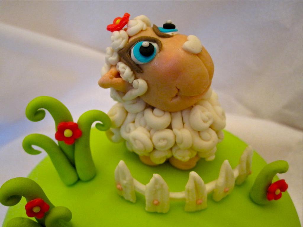 little sheep cake by Elli Warren
