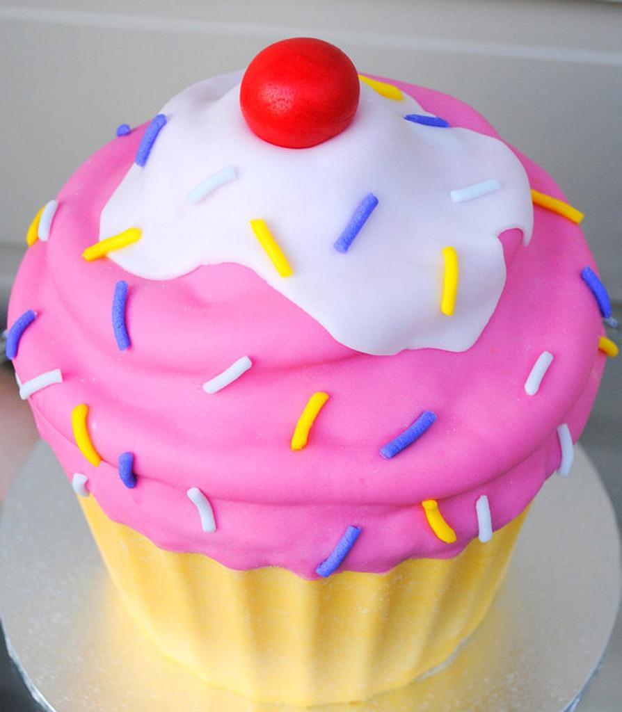 Giant/Jumbo cartoon style cupcake by Amelia's Cakes