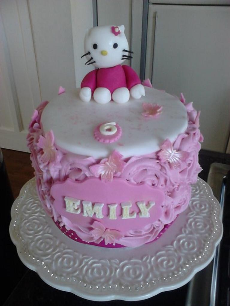 Hello Kitty Cake by Lisascakes