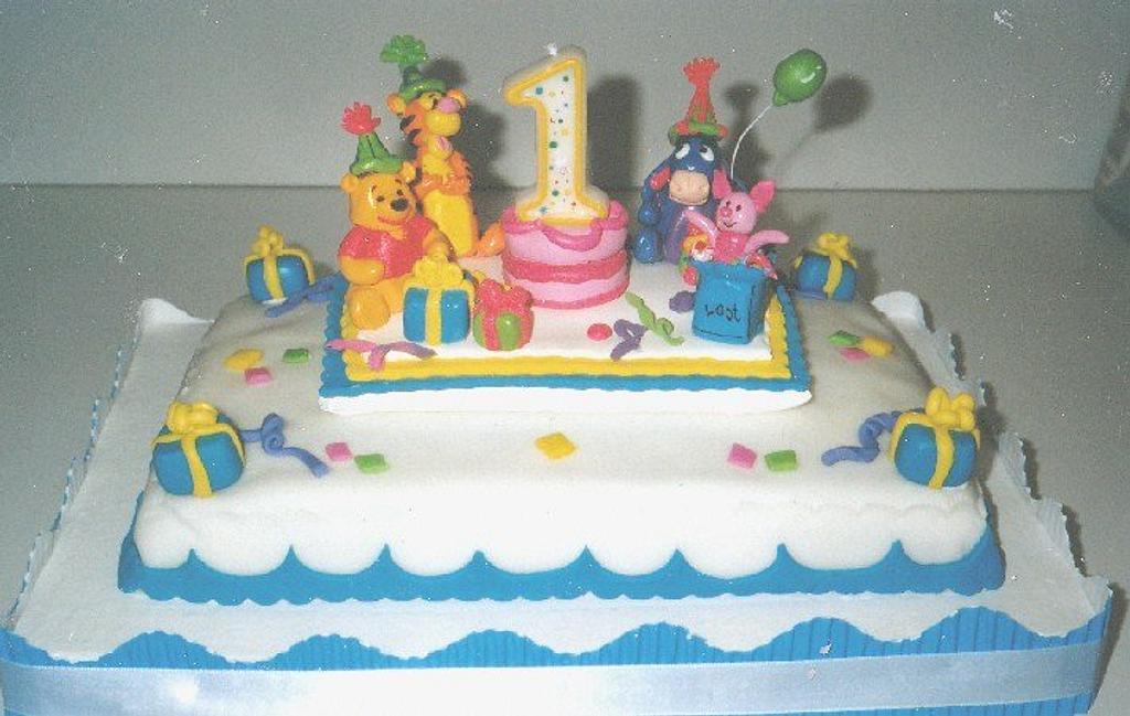 Winnie the Pooh Cake by Cheryl