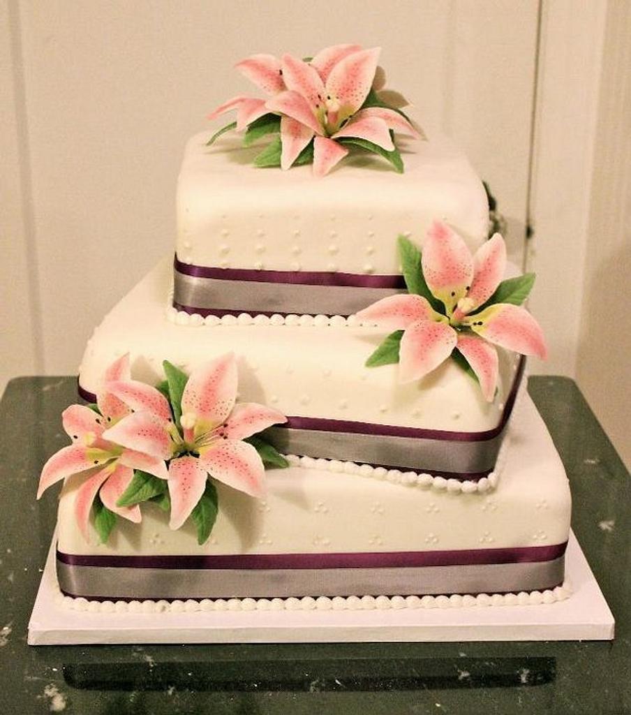 Lily Wedding Cake by Bakermama