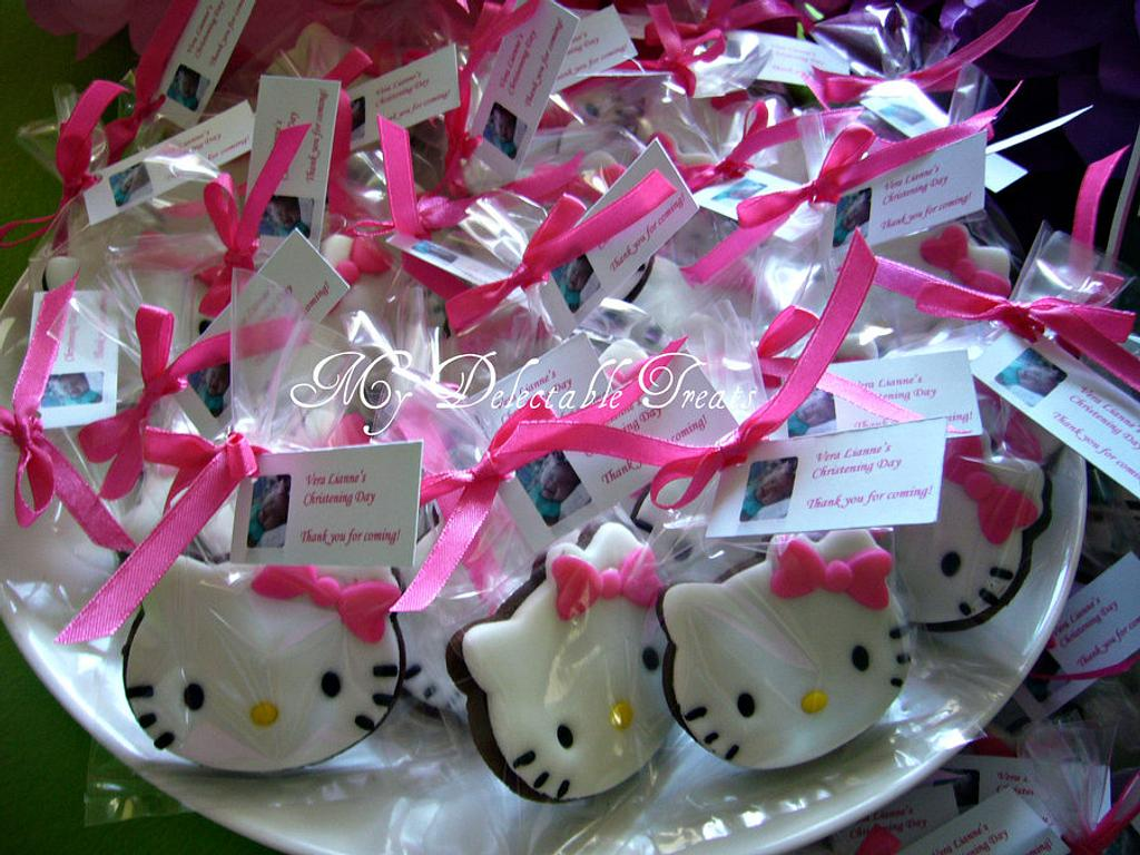 Hello Kitty fondant decorated cookies by Donna Dolendo
