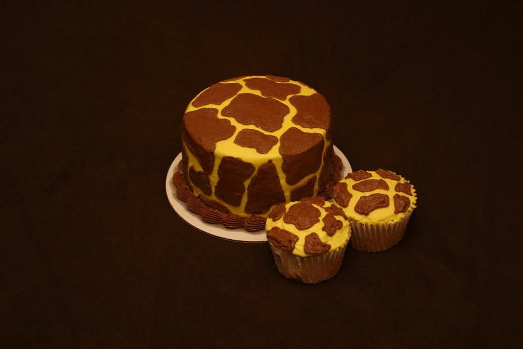 Giraffe by Jen