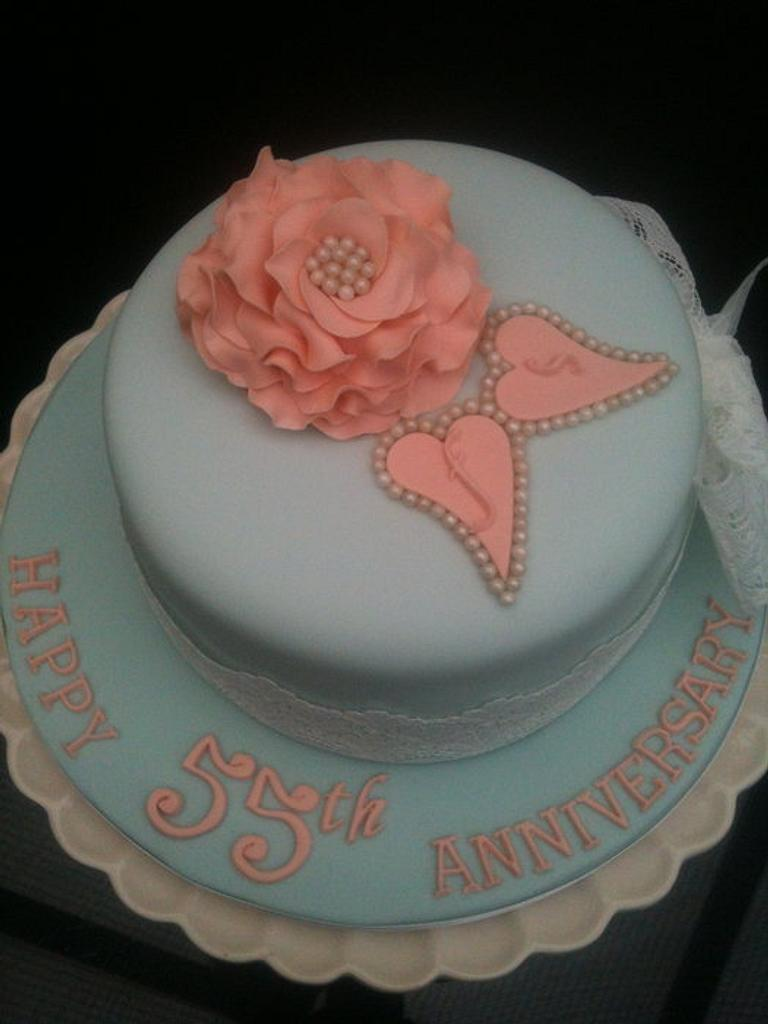 Vintage style anniversary cake by Swirly sweet