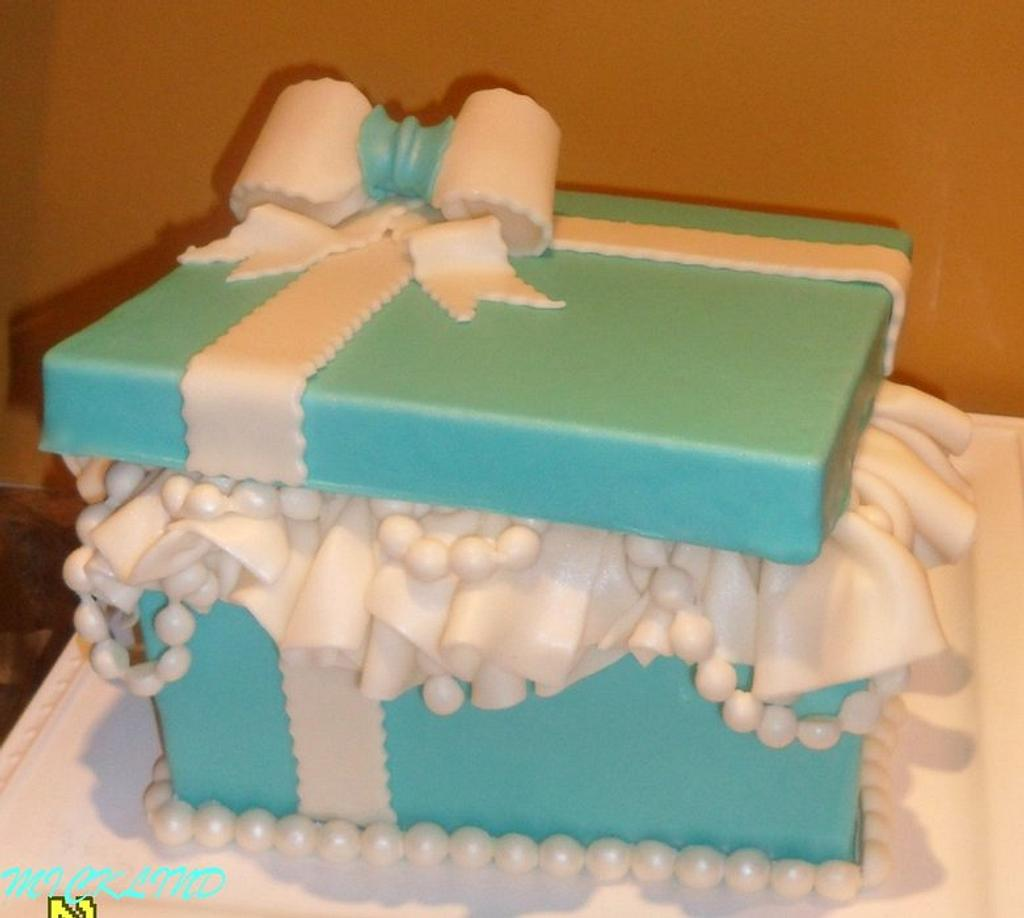 A Tiffany box themed cake for a Bridal shower by Linda