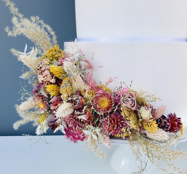Floating Wedding Cake Dried Flowers