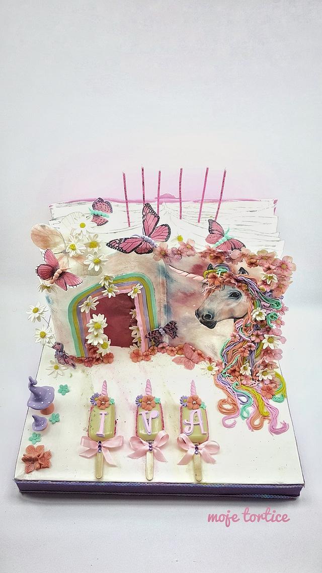 Enchanted unicorn book 🦄
