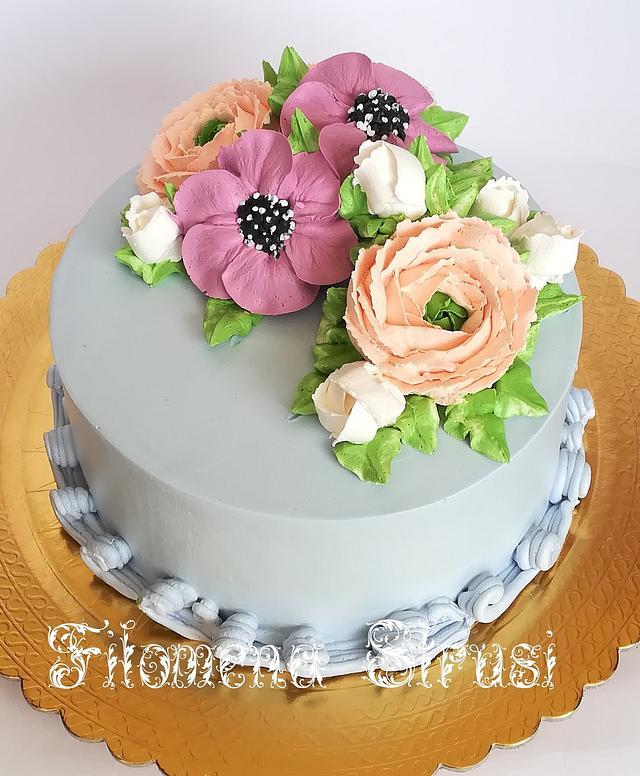 Whippingcream flowe cake