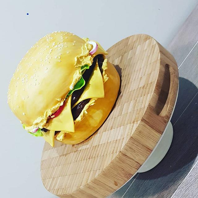 Burger Lovers this is for you 😋😋
