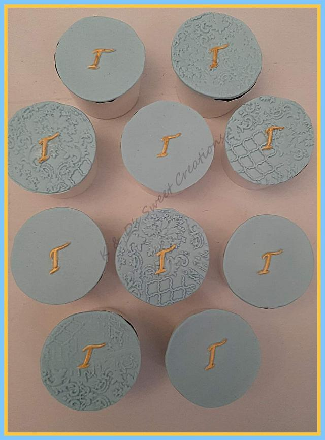 Brawl stars and monogram cupcakes