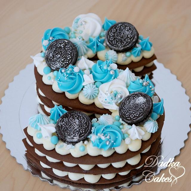 Alphabet cake with meringue kisses