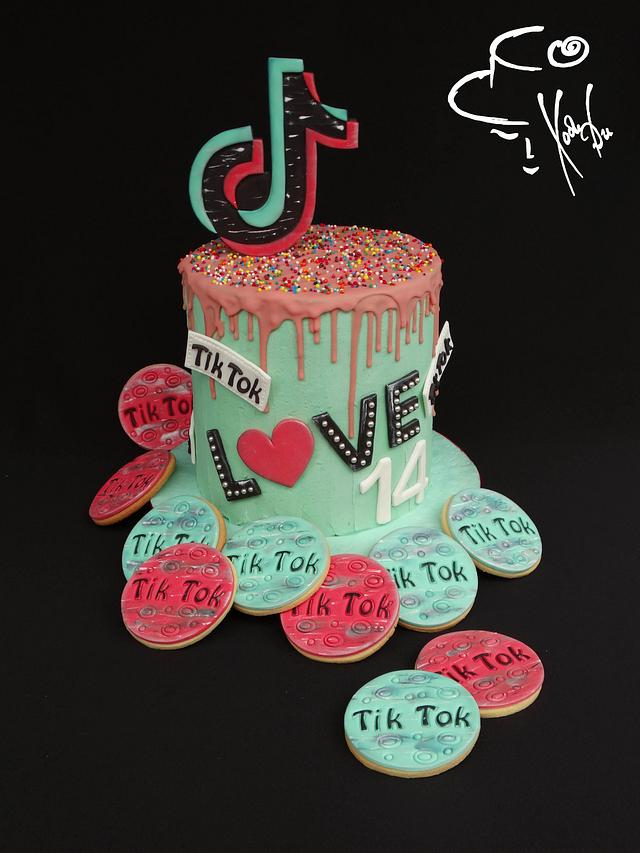 Tik Tok cake & cookies