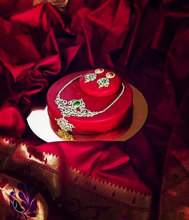 Jewellery themed cake