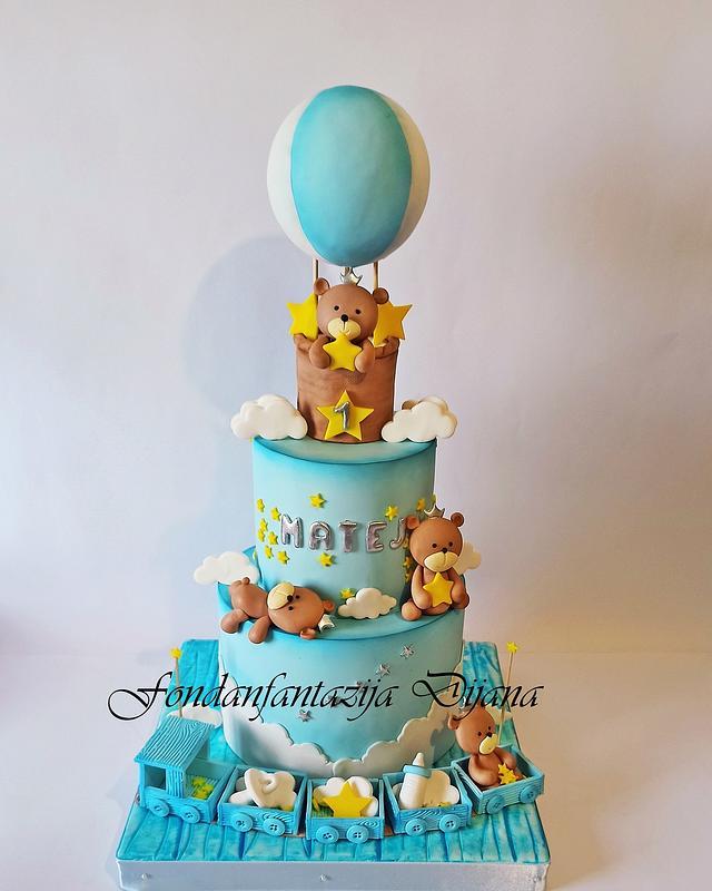 Teddy bears cake
