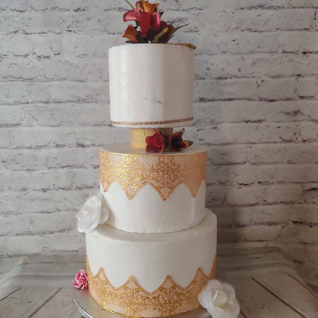 Gold lace Wedding Cake