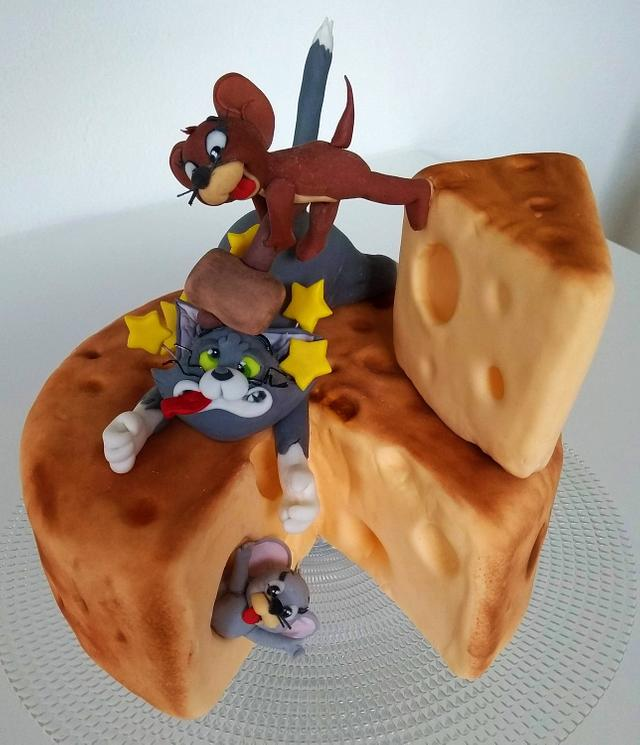 Tom and Jerry cake topper - cake by Clara - CakesDecor