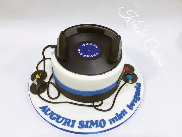 Fabulous Dj Birthday Cake Cake By Donatella Bussacchetti Cakesdecor Personalised Birthday Cards Cominlily Jamesorg