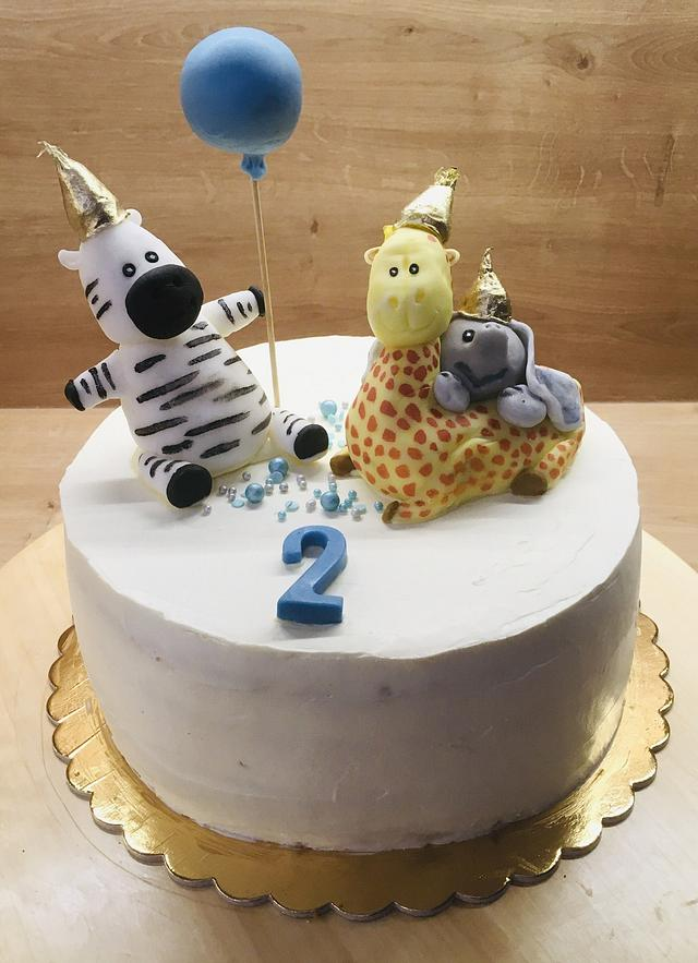 Birthday cake with zoo animals