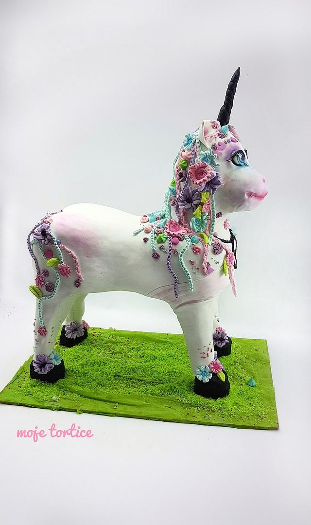 3d unicorn cake 🦄