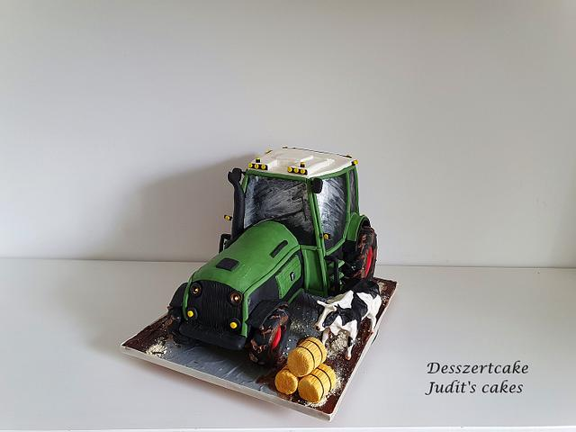 Tractor cake with cow