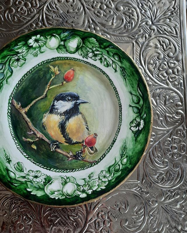 Bird on sugarplate